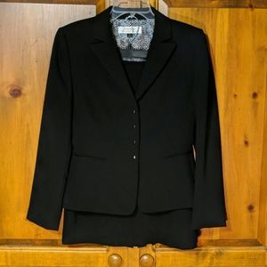 Tahari 2 Piece Black Suit Blazer & Skirt Size 8